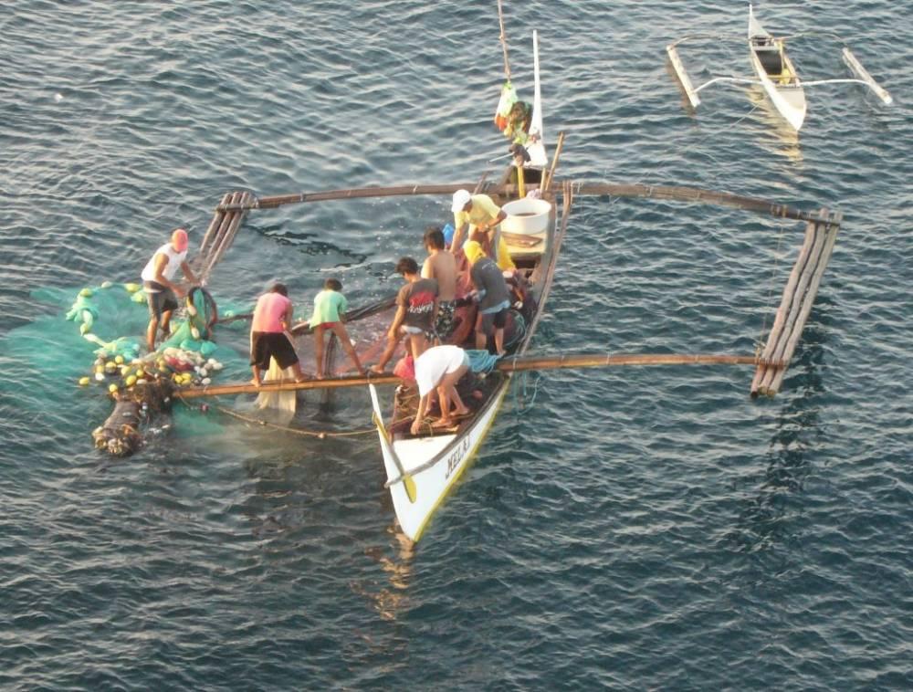 Bauan Early Morning Fishermen 015.jpg