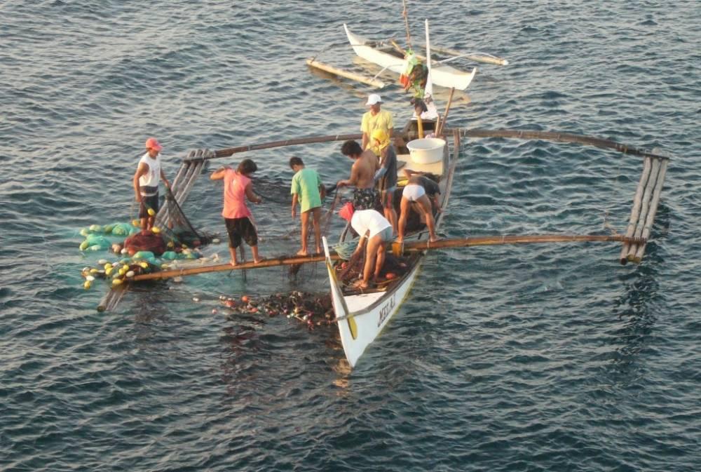 Bauan Early Morning Fishermen 013.jpg