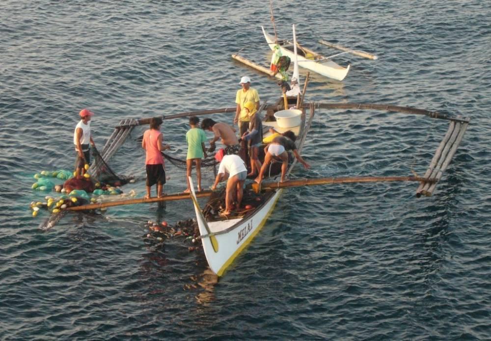 Bauan Early Morning Fishermen 014.jpg