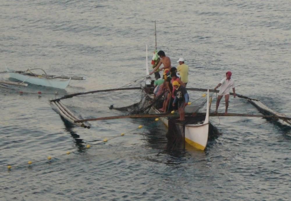 Bauan Early Morning Fishermen 007.jpg