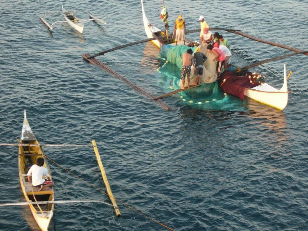 Bauan Early Morning Fishermen 005.jpg